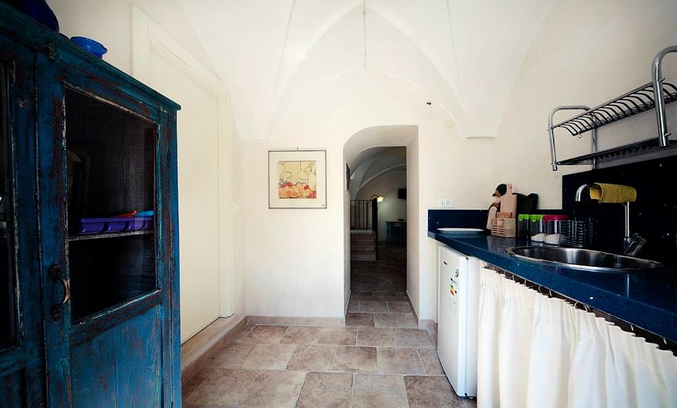 Hedgehog's Suite kitchen in |B&B|Guest House Salento|Tana del Riccio