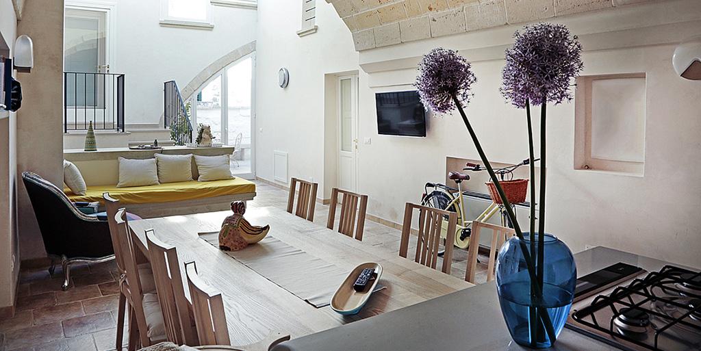 Casa vacanze tra vaste e castro guesthouse boutique la - Riccio in giardino ...